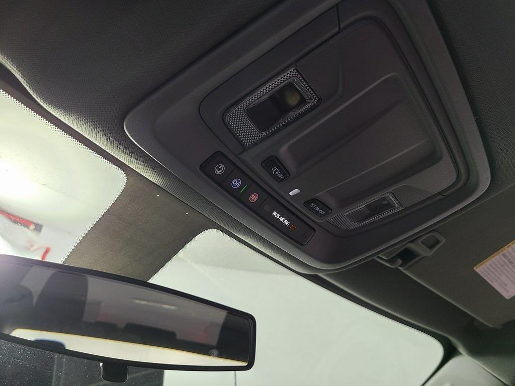 2020 Chevrolet Silverado 2500 Crew Cab 4x4, Reading SL Service Body #F8919 - photo 18