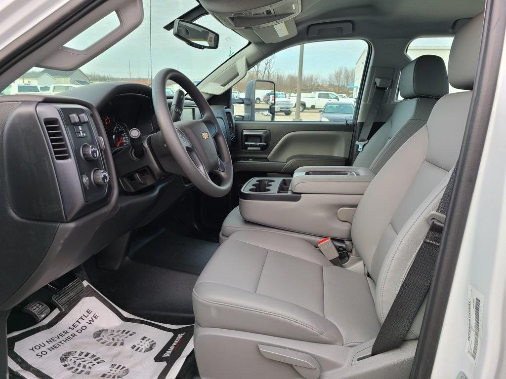 2020 Chevrolet Silverado 5500 Crew Cab DRW 4x4, Knapheide Steel Service Body #ZT10063 - photo 10