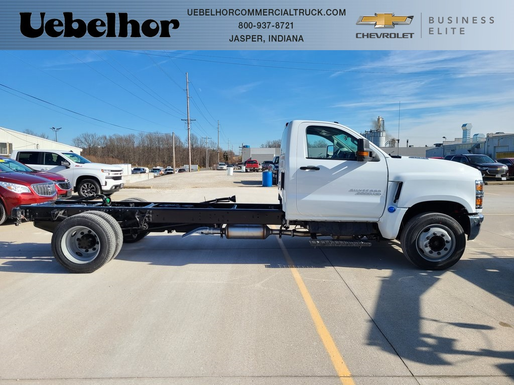 2021 Chevrolet Silverado 6500 Regular Cab DRW 4x2, Cab Chassis #ZT10332 - photo 1
