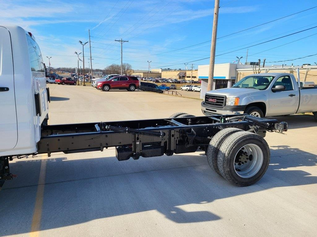 2021 Chevrolet Silverado 6500 Regular Cab DRW 4x2, Cab Chassis #ZT10332 - photo 5
