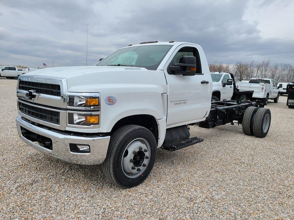 2021 Chevrolet Silverado 6500 Regular Cab DRW 4x2, Cab Chassis #ZT10356 - photo 3