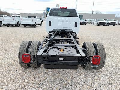 2021 Chevrolet Silverado 6500 Regular Cab DRW 4x2, Cab Chassis #ZT10356 - photo 2