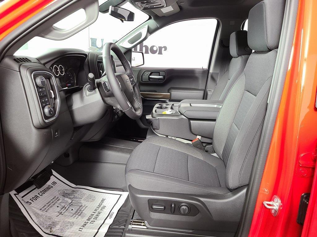 2021 Chevrolet Silverado 1500 Crew Cab 4x4, Pickup #ZT10388 - photo 9