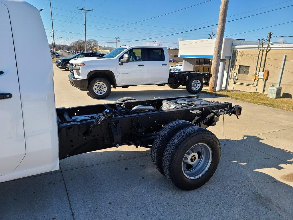 2021 Chevrolet Silverado 3500 Regular Cab 4x4, Cab Chassis #ZT10550 - photo 5