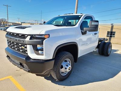 2021 Chevrolet Silverado 3500 Regular Cab 4x4, Cab Chassis #ZT10550 - photo 3