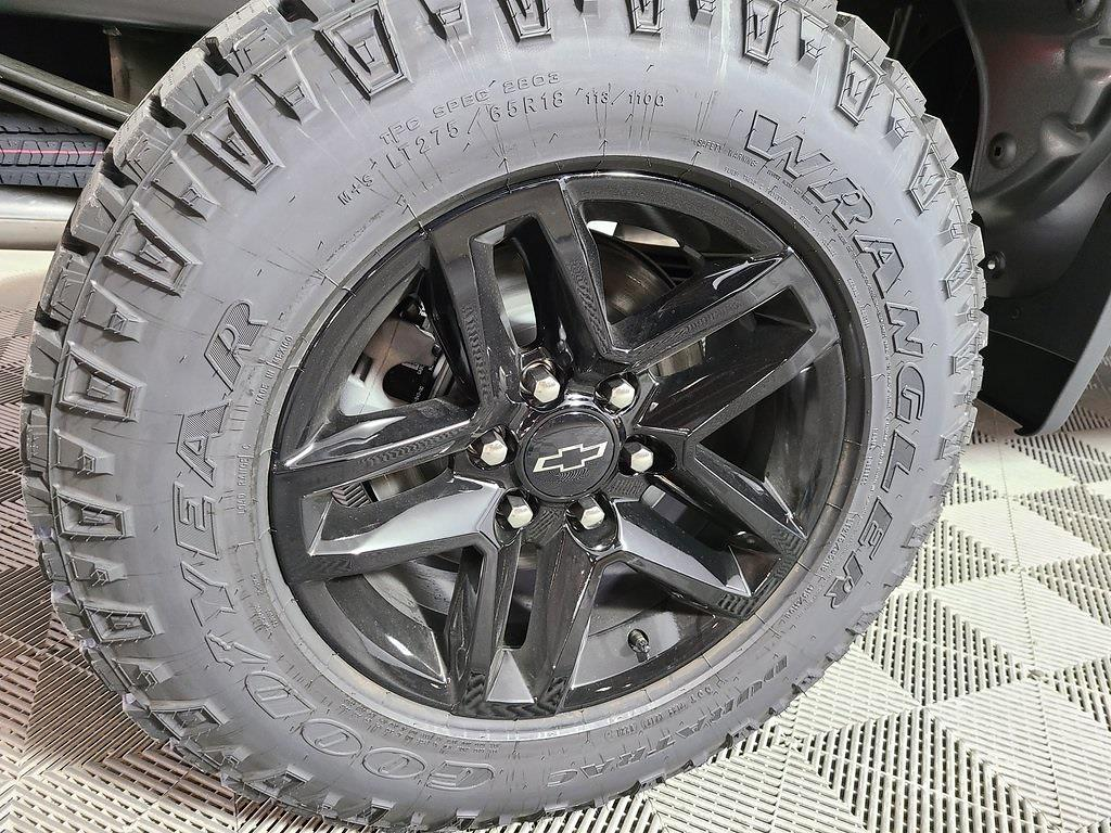 2021 Chevrolet Silverado 1500 Crew Cab 4x4, Pickup #ZT10966 - photo 4