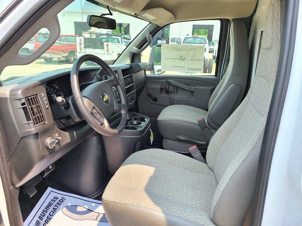 2021 Chevrolet Express 3500 4x2, Bay Bridge Cutaway Van #ZT11322 - photo 8
