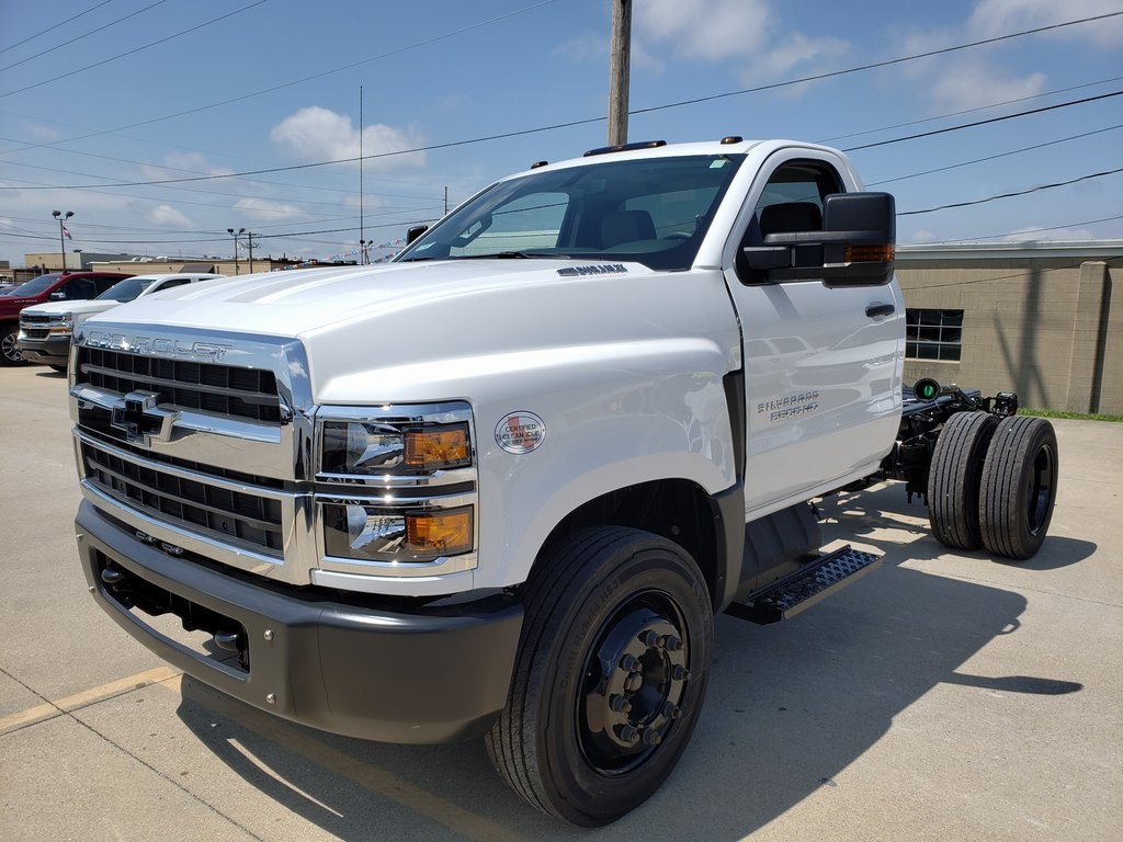 2019 Chevrolet Silverado 5500 Regular Cab DRW 4x2, Cab Chassis #ZT4328 - photo 4