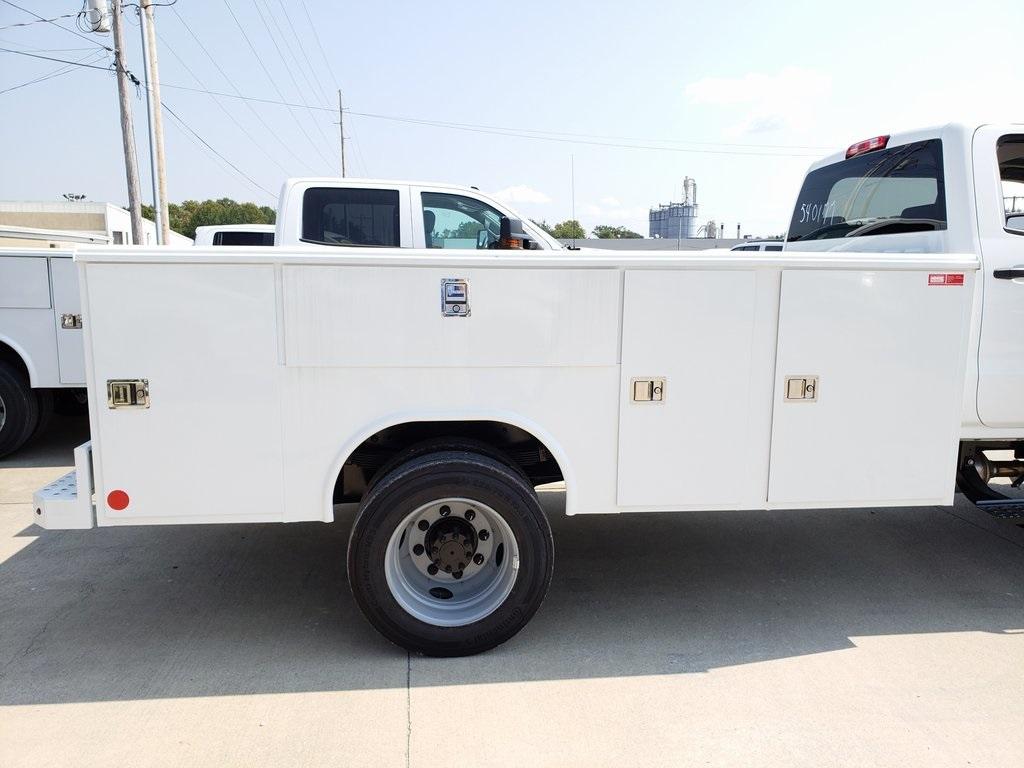 2019 Chevrolet Silverado 5500 Crew Cab DRW 4x4, Monroe MSS II Service Body #ZT6068 - photo 5