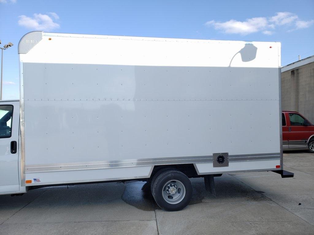 2020 Chevrolet Express 3500 4x2, Bay Bridge Classic Cutaway Van #ZT6362 - photo 5