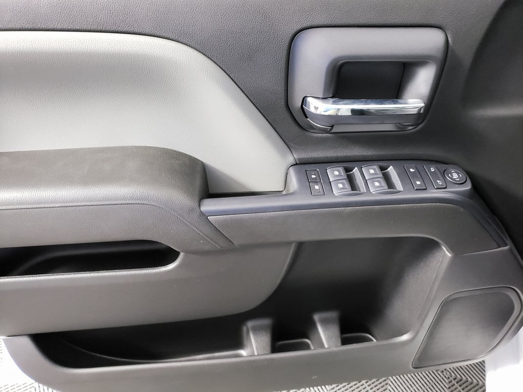 2019 Chevrolet Silverado 2500 Double Cab 4x2, Reading SL Service Body #ZT6499 - photo 9