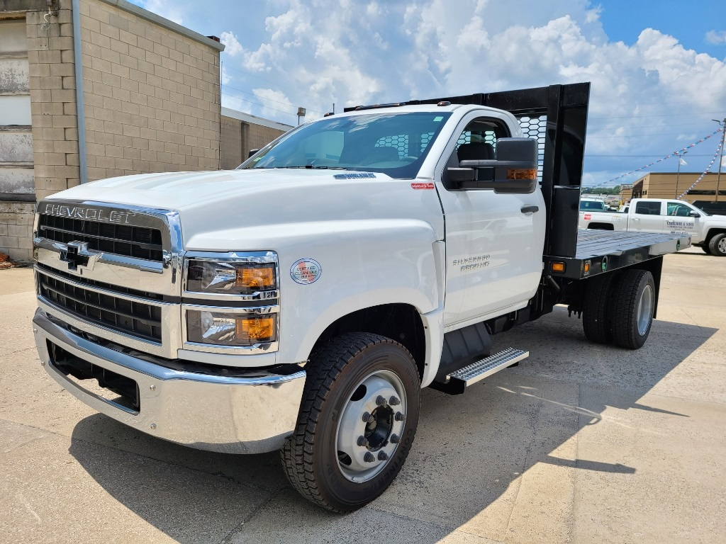 2020 Chevrolet Silverado 5500 Regular Cab DRW 4x2, Cab Chassis #ZT7350 - photo 3