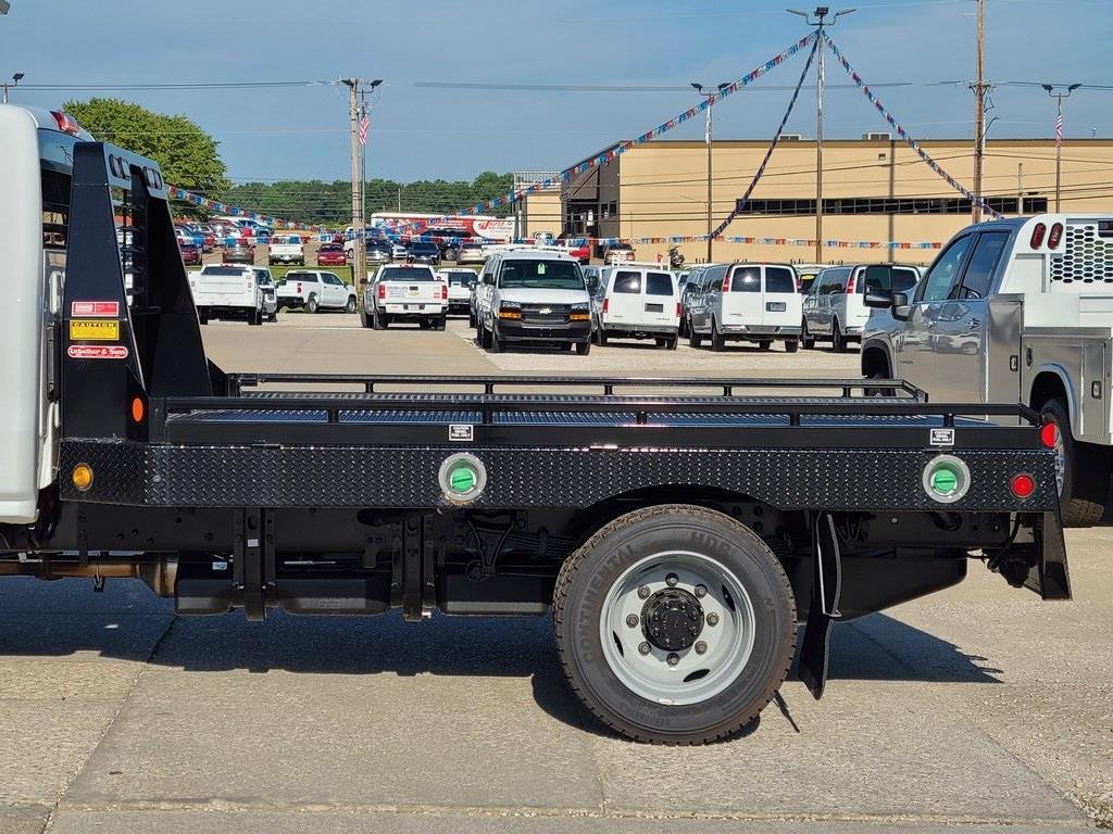 2020 Chevrolet Silverado 5500 Regular Cab DRW 4x2, Hillsboro Platform Body #ZT7357 - photo 13