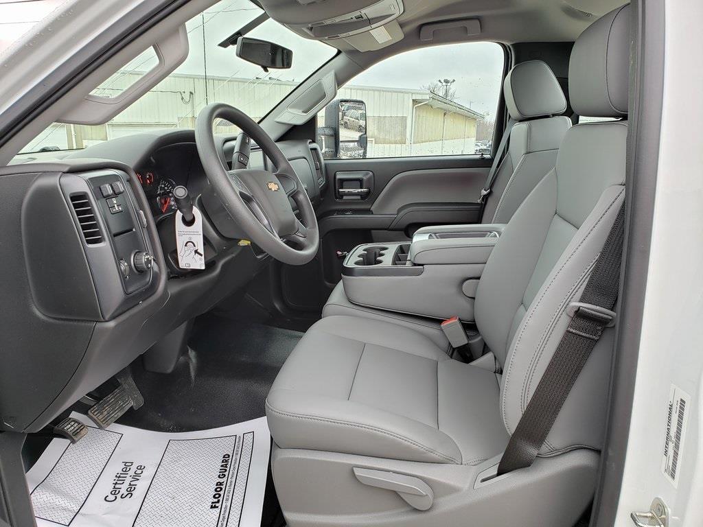 2020 Chevrolet Silverado 5500 Regular Cab DRW 4x2, Hillsboro Platform Body #ZT7357 - photo 3