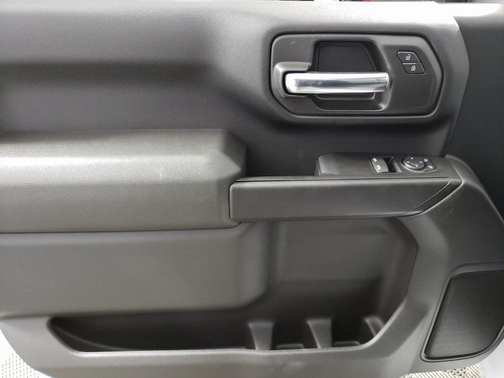 2020 Chevrolet Silverado 2500 Regular Cab 4x4, Reading SL Service Body #ZT7578 - photo 7