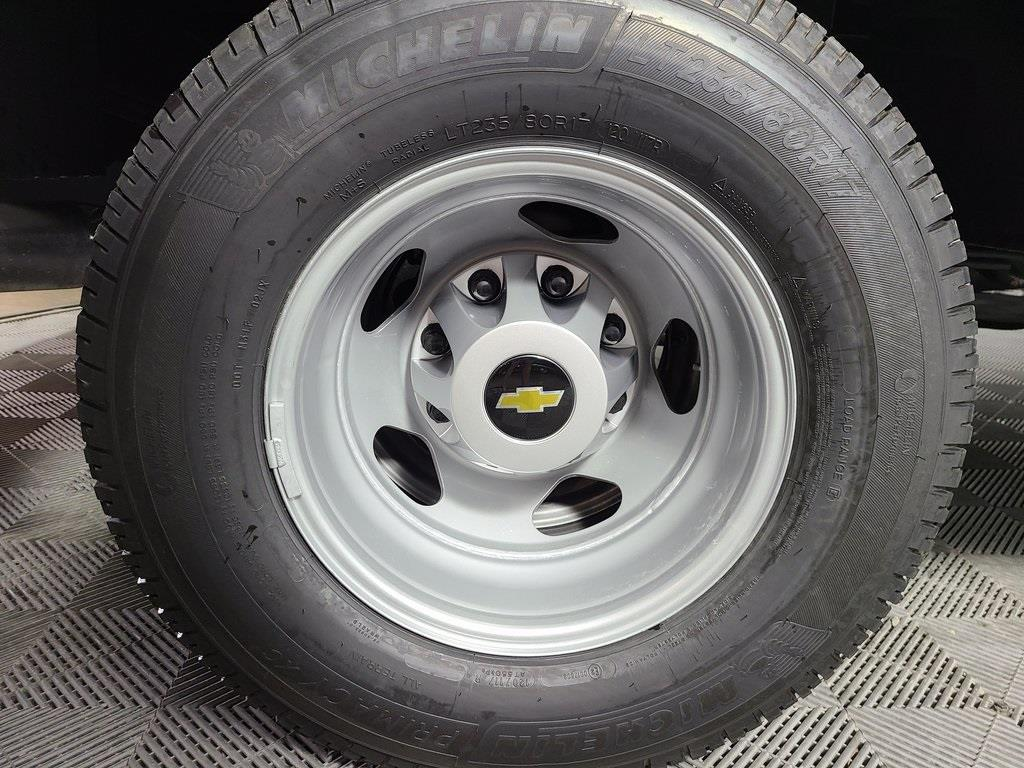 2020 Chevrolet Silverado 3500 Regular Cab DRW 4x4, Reading Classic II Steel Service Body #ZT8374 - photo 7