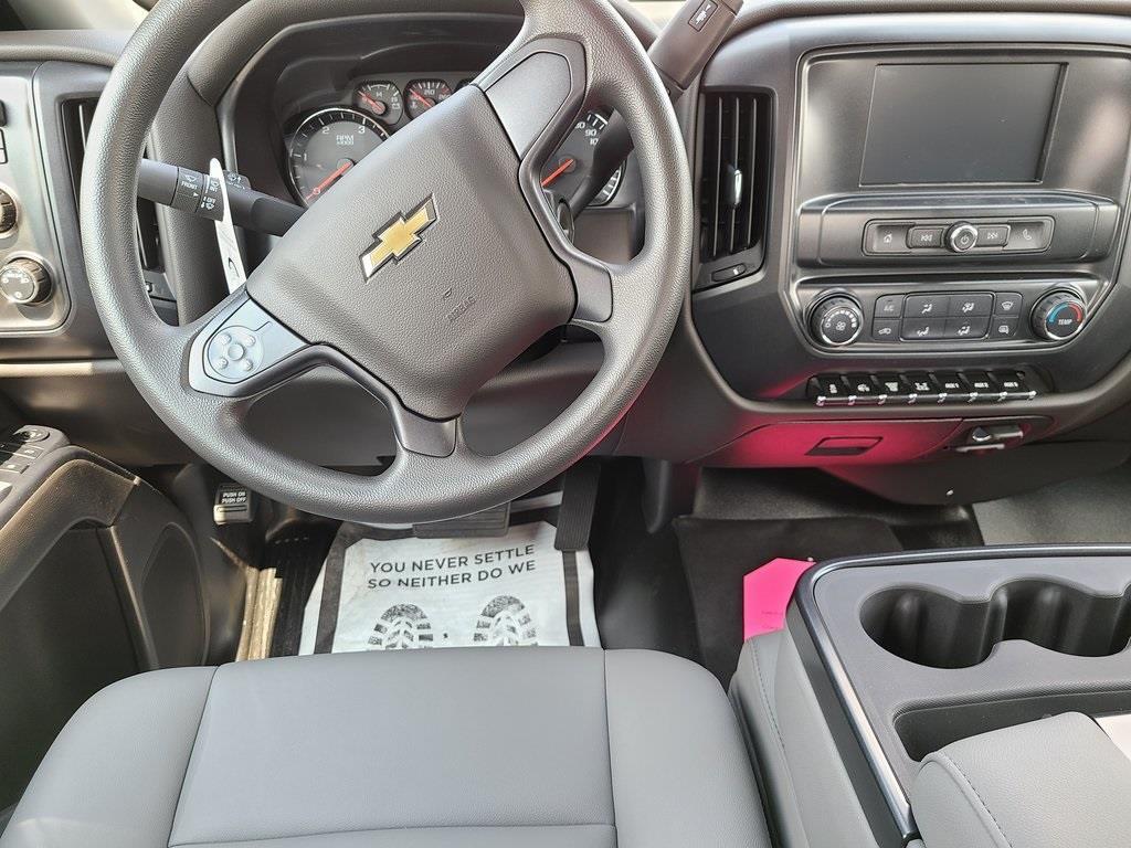 2020 Chevrolet Silverado 4500 Crew Cab DRW 4x4, Knapheide PGNB Gooseneck Platform Body #ZT8429 - photo 10