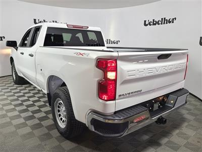 2020 Chevrolet Silverado 1500 Double Cab 4x4, Pickup #ZT8513 - photo 2