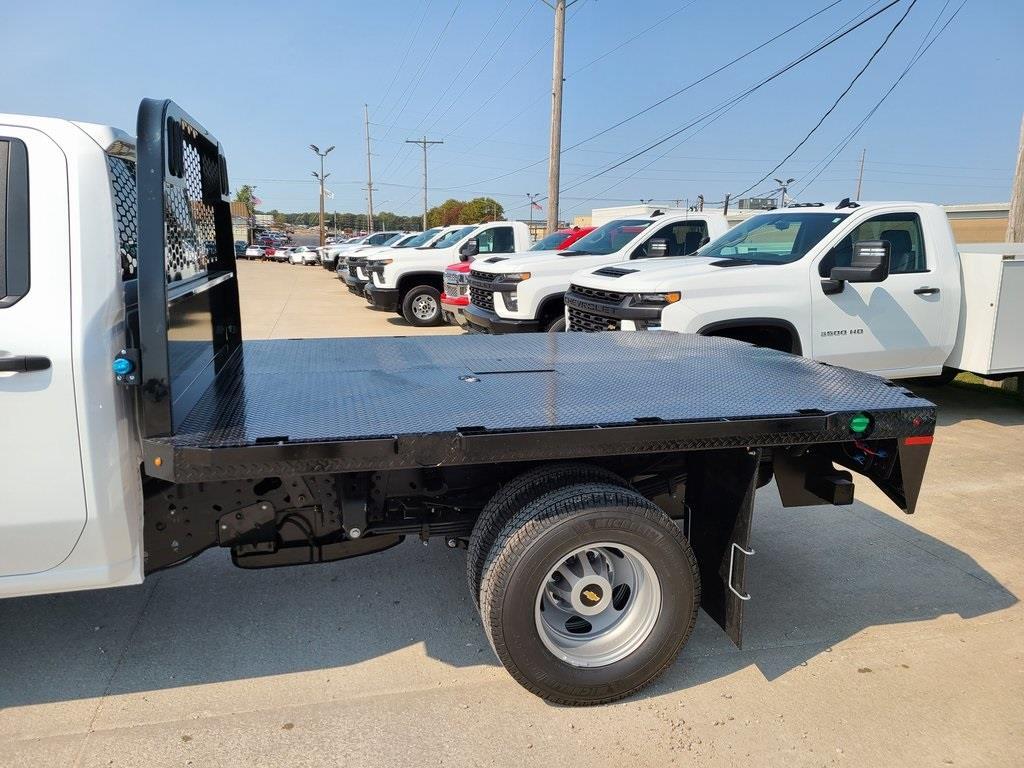 2020 Chevrolet Silverado 3500 Crew Cab DRW 4x4, Knapheide PGNB Gooseneck Platform Body #ZT8740 - photo 5