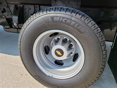 2020 Chevrolet Silverado 3500 Crew Cab DRW 4x4, Knapheide PGNB Gooseneck Platform Body #ZT8740 - photo 6