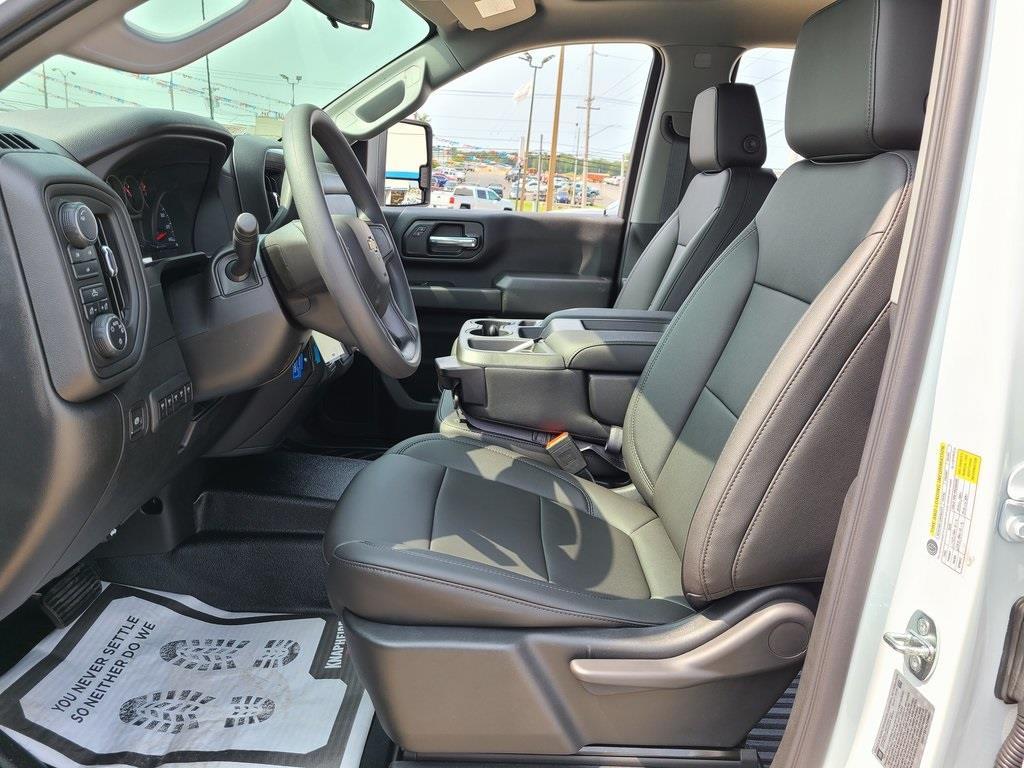 2020 Chevrolet Silverado 3500 Crew Cab DRW 4x4, Knapheide PGNB Gooseneck Platform Body #ZT8741 - photo 11