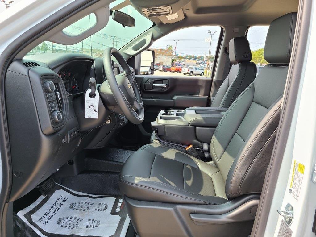 2020 Chevrolet Silverado 3500 Crew Cab DRW 4x4, Knapheide PGNC Gooseneck Platform Body #ZT8777 - photo 11