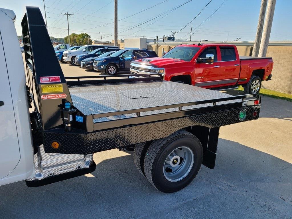 2020 Chevrolet Silverado 3500 Crew Cab DRW 4x4, Hillsboro GII Steel Platform Body #ZT8812 - photo 5
