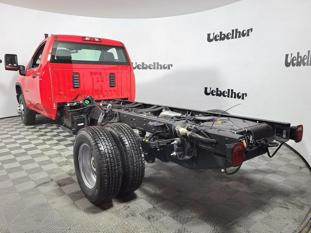 2020 Chevrolet Silverado 3500 Regular Cab DRW 4x4, Cab Chassis #ZT9188 - photo 2