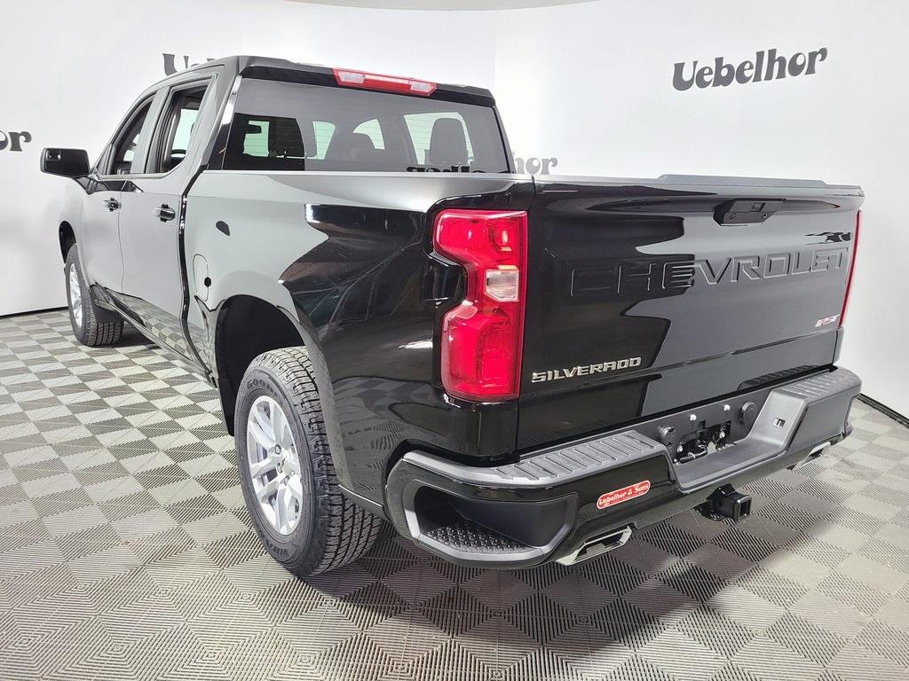 2021 Chevrolet Silverado 1500 Crew Cab 4x4, Pickup #ZT9244 - photo 2