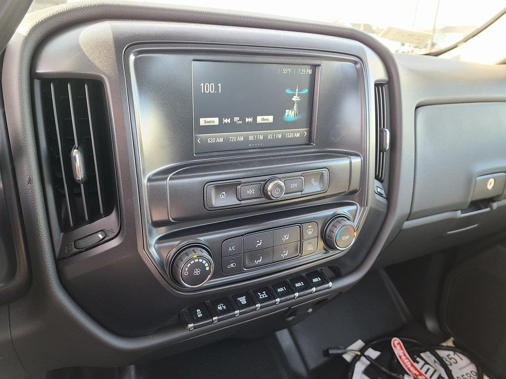 2020 Chevrolet Silverado 5500 Regular Cab DRW 4x4, Knapheide PGNB Gooseneck Platform Body #ZT9274 - photo 10