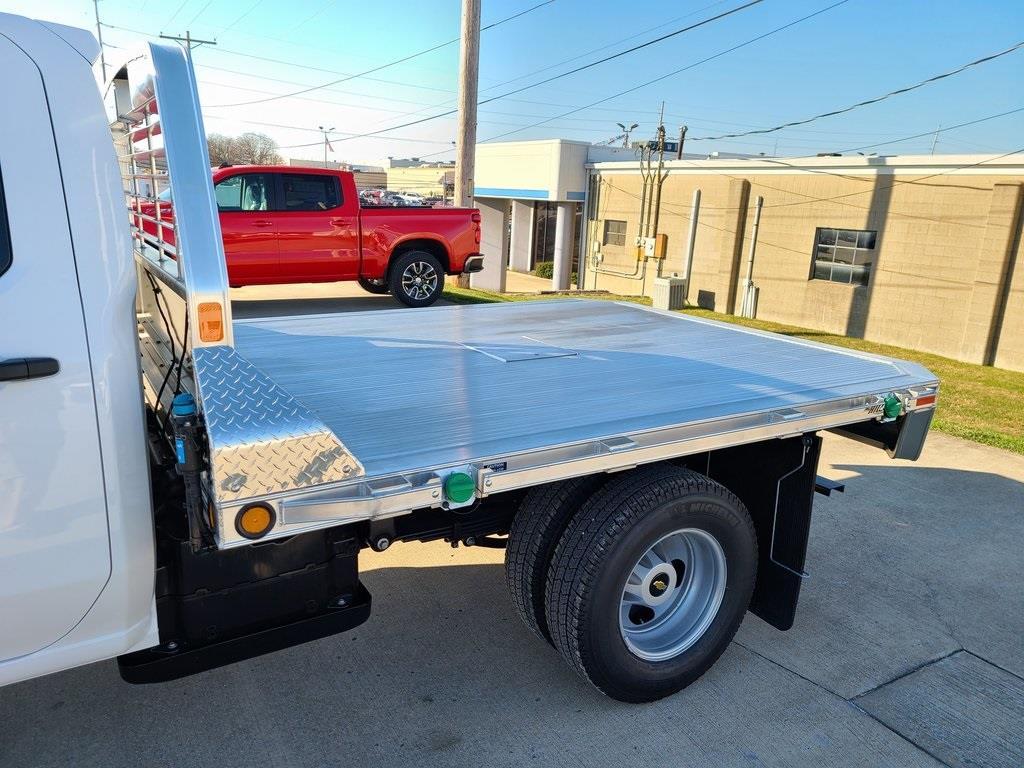 2020 Chevrolet Silverado 3500 Crew Cab DRW 4x4, Hillsboro 2000 Series Aluminum Platform Body #ZT9425 - photo 5