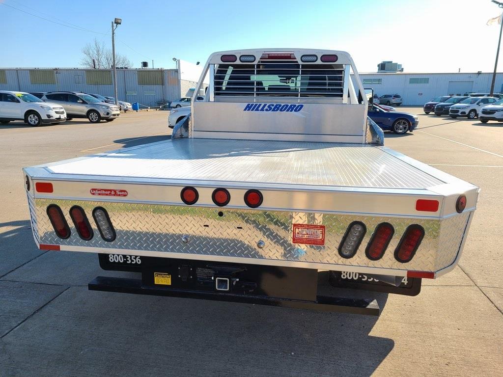 2020 Chevrolet Silverado 3500 Crew Cab DRW 4x4, Hillsboro 2000 Series Aluminum Platform Body #ZT9425 - photo 2