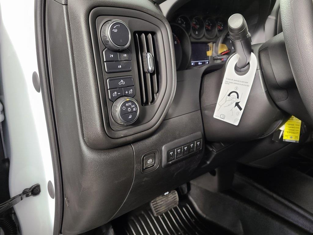 2020 Chevrolet Silverado 3500 Crew Cab 4x4, Reading SL Service Body #ZT9523 - photo 11