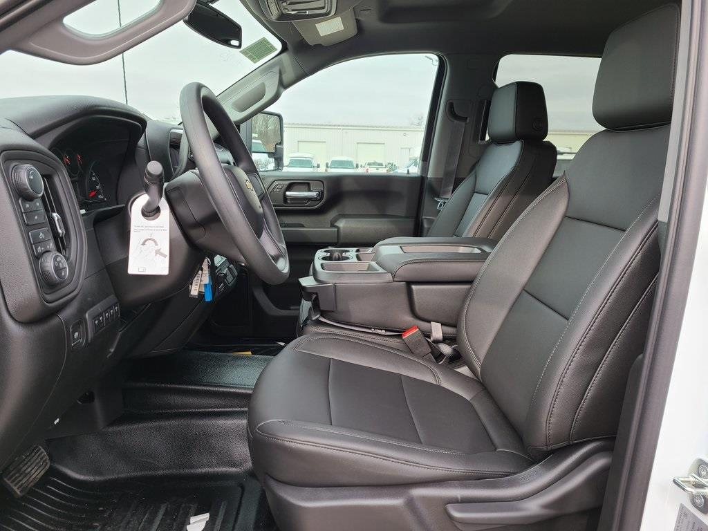 2020 Chevrolet Silverado 3500 Crew Cab 4x4, Reading SL Service Body #ZT9725 - photo 9