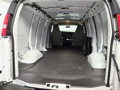 2021 Chevrolet Express 2500 4x2, Empty Cargo Van #ZT9982 - photo 2