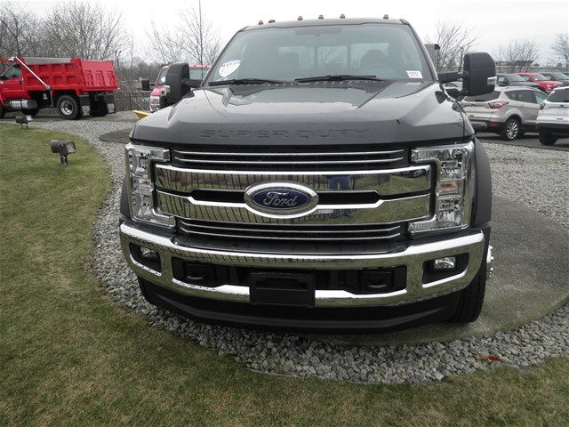 2017 F-550 Super Cab DRW 4x4, Reading Service Body #CR0647 - photo 4