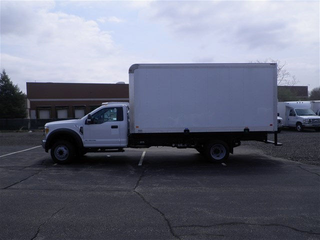 2017 F-550 Regular Cab DRW Dry Freight #CR1085 - photo 2