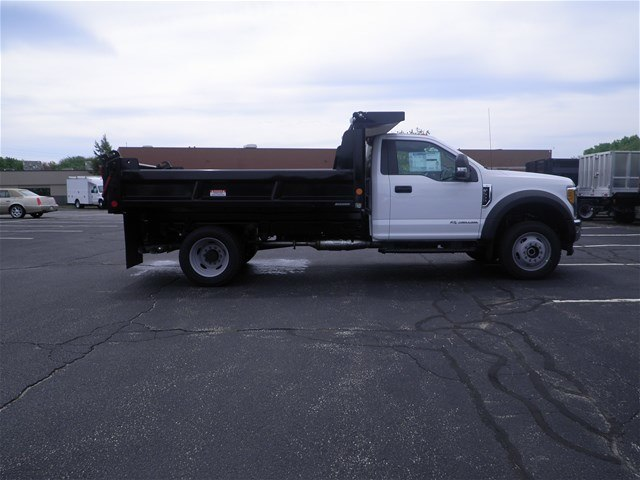 2017 F-550 Regular Cab DRW 4x4, Reading Dump Body #CR1449 - photo 4