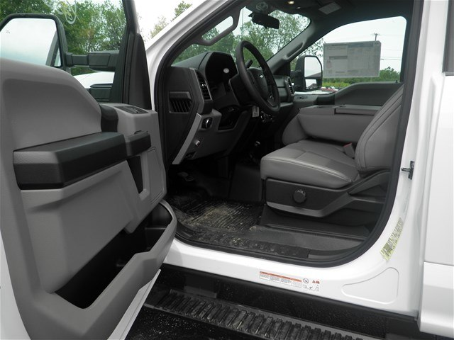 2017 F-550 Regular Cab DRW 4x4, Reading Dump Body #CR1449 - photo 9