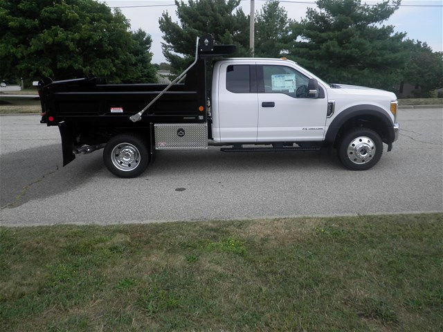 2017 F-550 Super Cab DRW 4x4, Reading Dump Body #CR1450 - photo 3