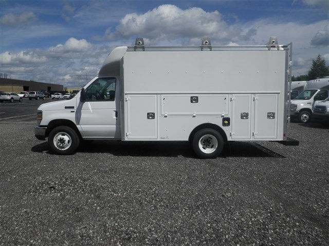 2017 E-350, Supreme Service Utility Van #CR1464 - photo 17