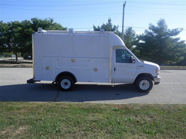 2017 E-350, Supreme Service Utility Van #CR1535 - photo 3