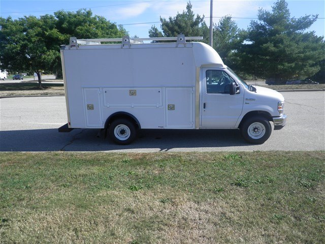 2017 E-350, Supreme Service Utility Van #CR1618 - photo 4