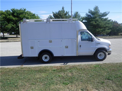 2017 E-350, Supreme Service Utility Van #CR1660 - photo 3