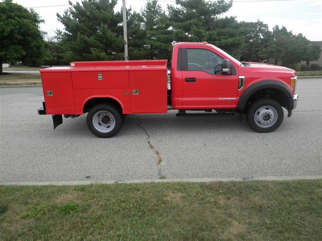 2017 F-550 Regular Cab DRW 4x4,  Reading Classic II Steel Service Body #CR1932 - photo 3