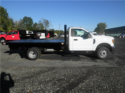 2017 F-350 Regular Cab DRW 4x4, Knapheide Value-Master X Platform Body #CR1980 - photo 3
