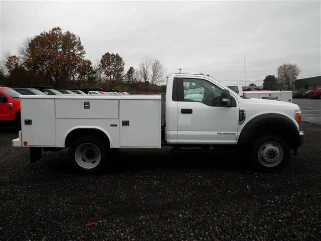 2017 F-550 Regular Cab DRW 4x4 Service Body #CR2161 - photo 11
