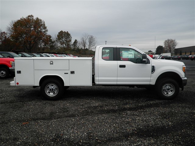 2017 F-350 Super Cab 4x4, Reading Classic II Steel Service Body #CR2208 - photo 11