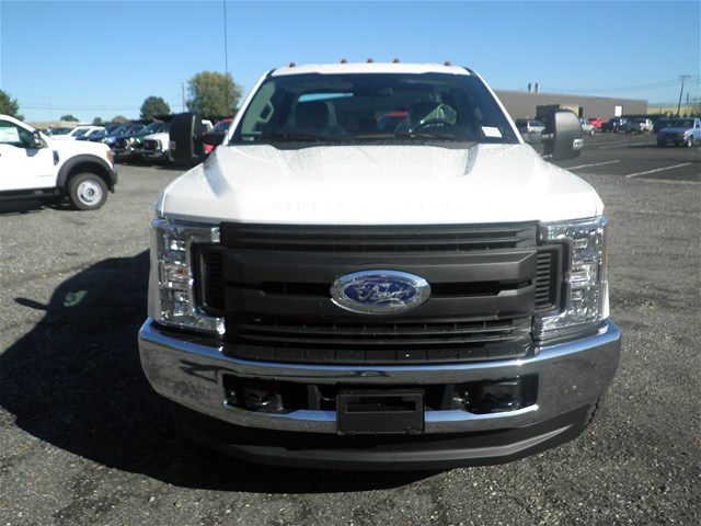 2017 F-350 Super Cab 4x4, Reading Classic II Steel Service Body #CR2208 - photo 4