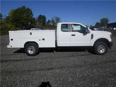 2017 F-350 Super Cab 4x4 Service Body #CR2208 - photo 3